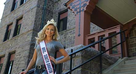 Mrs. South Dakota Wears Augustana Pride with Her Crown